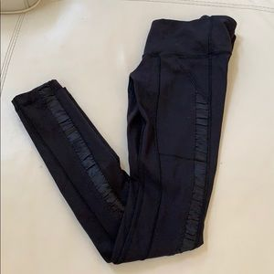 RARE LULULEMON Ruffle detail leggings black 2